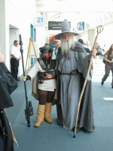 Only at Comic Con (OK, and other conventions... *sigh*) will you see Gandalf with Leia's bounty hunter.